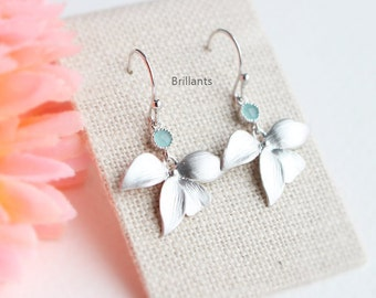 Mint Stone and Orchid flower earrings, Flower earrings, Bridesmaid jewelry, Everyday earrings, Wedding earrings
