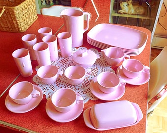 Amazing set of 28 pieces of pink Melmac made in Canada