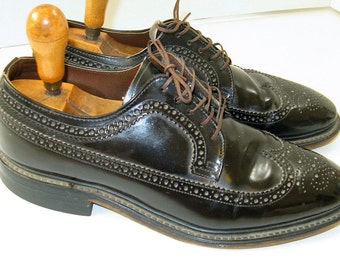 Cool Vintage 1940's/50's Dark Brown long Wing Tips Leather Soles, Neolite Heels, wing tip Oxfords  sz 10