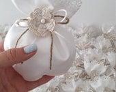 Lace burlap favors Wedding bombonieres Christening favors Baptism bomboniere Greek handmade guests gift White favor pouch Burlap flower