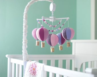 Hot Air Balloon baby crib mobile, balloon nursery, baby girl mobile, baby girl shower gift, pink and gold mobile, center piece