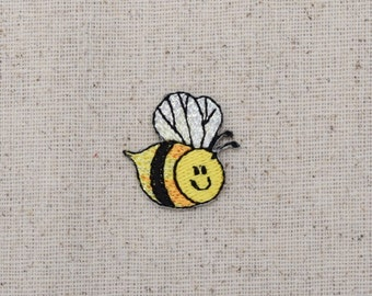 Small Bumble Bee - Smiling - Flying Right - Iron on Applique - Embroidered Patch - 156481A