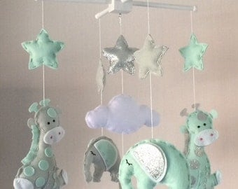 hand crafted baby mobiles and nursery decor par ellaandboo sur etsy. Black Bedroom Furniture Sets. Home Design Ideas