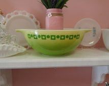 Vintage 1960's Pyrex Green Dots and Squares Promotional Cinderella 444 Bowl!