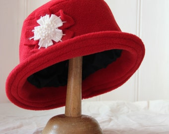 red cloche daisy fleece hat