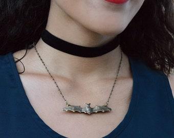 Bat Necklace, Bat Jewelry, Bat Pendant, Halloween Jewelry, Bat, Halloween Necklace, Vampire Necklace, Halloween Bat, Gothic Jewelry N1401