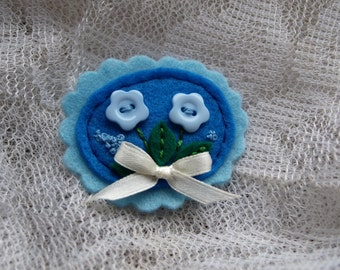 Cameo flower felt pin - BLUE - Flower brooch - 100% wool felt cameo with flower button and embroidery , gift for girls , thecraftdesk