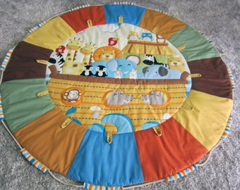 Noah's Ark Multi-coloured Quilted Baby play mat and toy carry bag in-1