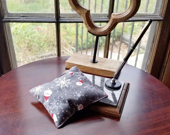 Herbal Pillow, Aromatherapy Desk Pillow, Herbal Desk Pillow, Scented Desk Pillow, Desk Ornament, Stocking Stuffer, Free Shipping