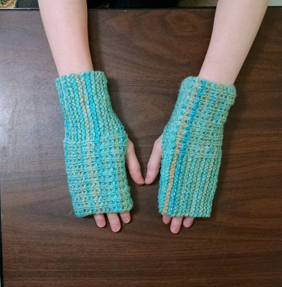 Fingerless Gloves Knitting Pattern Beginner : Fingerless Glove Knit Pattern Easy One Skein Pattern Mitt
