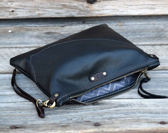 Medium Leather Zipper Pouch  /  READY TO SHIP / Zippered Purse /  Phone Case / Camera Wristlet / Leather Clutch