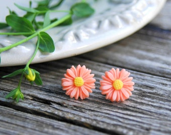 Peach Daisy Stud Earrings . Best Friend Birthday Gift . Summer Outdoors . Surgical Steel Studs . Peach Earrings . Best Friend Gift for Her
