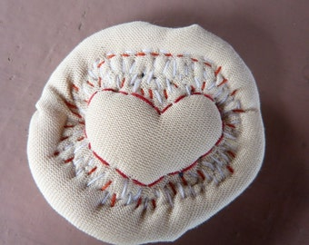 Textile brooch with embroidered heart (red)