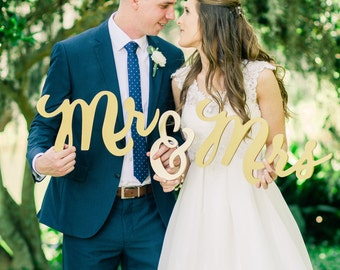 Boho Wedding Chair Signs Mr & Mrs Signs for Bride and Groom Hanging Sweetheart Table Decor Wedding Reception Decoration  (Item - MCK200)