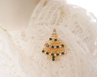 vintage Christmas tree brooch pin with green & white rhinestones