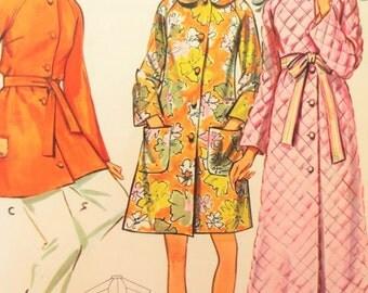 Vintage Butterick 5556 Sewing Pattern, 1960s Robe Pattern, Raglan Sleeve Robe, 1960s Sewing Pattern, Loungewear Pattern, Bust 31 and a Half