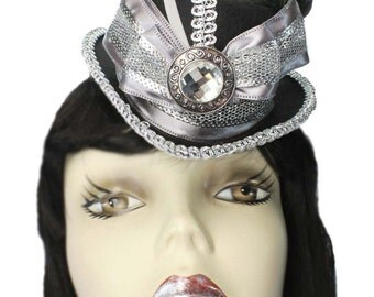 Mini Fascinator Top Hat Silver Shimmer Steampunk Gothic Party Cocktail Showgirl Cabaret