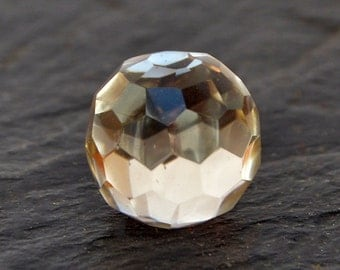 Rock Crystal Sphere Stone (13mm x 13m x 13mm) - Quartz Crystal - Natural Gemstone