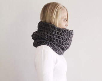 Scarf, Chunky Scarf, Grey Cowl Scarf, Oversized Cowl, Crochet Infinity Scarf, Winter Scarf, Snood, circle scarf, Ready to ship, by VeraJayne