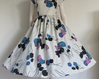 Stunning Bombshell Vintage 50's Tulip Cotton Party Dress / Full Skirt / Small Medium