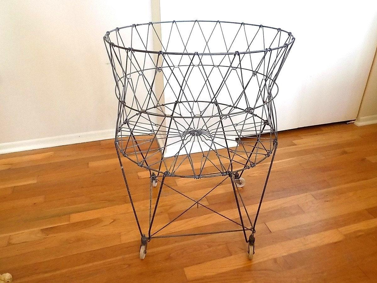 LARGE Vintage Collapsible Metal Laundry Basket / Cart On