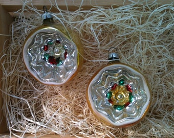 Indent glass 2 ornament Vintage Christmas decoration deep indent star 1940's round bulb