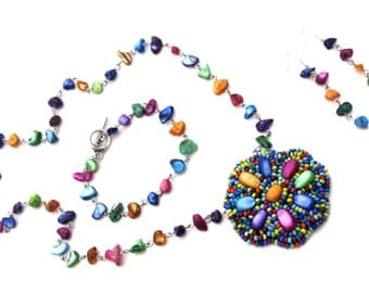 Multicolor shell necklace set Bead embroidery necklace set Multicolor necklace Multicolor jewelry set Rainbow necklace earrings bracelet