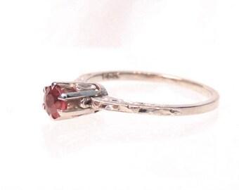Vintage 14k Ruby Gemstone Solitaire Filigree Engagement Ring