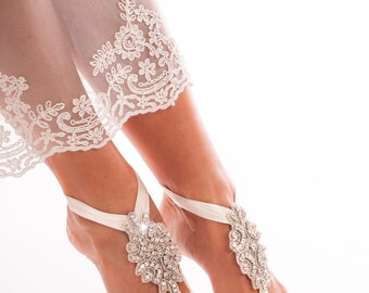 Bridal barefoot sandals -Crystal foot jewelry - Rhinestone barefoot sandals -Barefoot bride -Beach wedding -Footless sandal -Wedding shoes