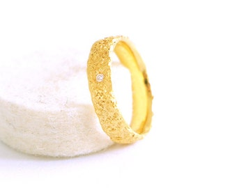 Fairmined Promise Gold Ring with White Diamond-Ethical 18K Gold-Engagment Ring-Custom Fair trade Unique Gold Ring-Ethicaly Sourced Diamond