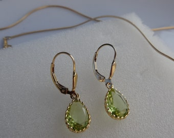 Gold Earrings, 585 gold filled with green drops, crystal glass