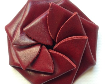 Burgundy coin purse, rosette change purse, leather change purse, round coin purse