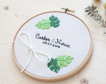 Wedding embroidery hoop - Monstera leaves
