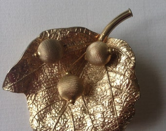 Vintage Large SA Signed Gold Tone Textured Leaf with Berries