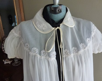 Vintage Womens Nylon Peignoir, Dressing Gown, Bathrobe