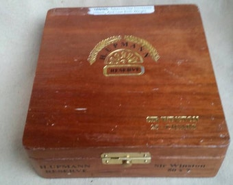 Antique Vintage wood HUPANN Winston Churchill  cigar box