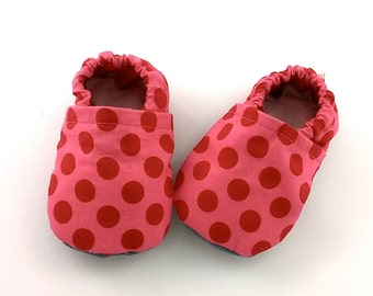 Soft sole baby girl shoes size 3-6 months Vegan friendly shoes Pink shoes with big red dots Newborn gift Baby girl mocassins Infant shoes