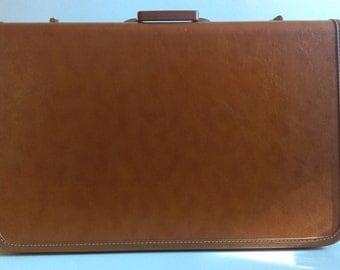 Vintage Taperline Brown Suitcase.