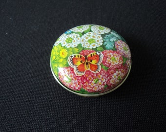 Vintage collectable metal pill box (02513)