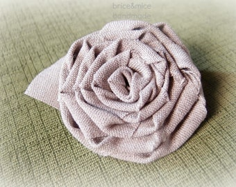 Flower brooch in fabric, linen brooch, rose flax, coat brooch, fabric brooch, lady pin, button brooch, gift idea
