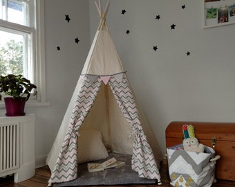 tipi pour enfant cachette cabane tente par babillesetbabioles. Black Bedroom Furniture Sets. Home Design Ideas