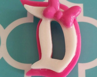 D brooch inspired by Daisy Duck