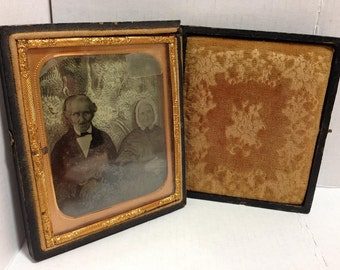 Rare 3-Dimensional Daguerreotype Portrait of Old Victorian Couple! Hand-Drawn Background! Scarcely-seen Photographic History! FREE SHIPPING!