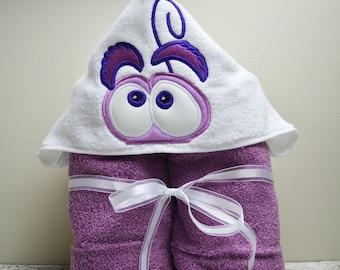 Scared Children's Hooded Towel - Baby Towel - Childrens Hood Towel - Bath Towel - Beach Towel - Personalized Towel - Character Towel
