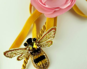 "Golden folk- chic  necklace adornment ""Bee "" embroidered with pearls, 3D, mounted on cord"