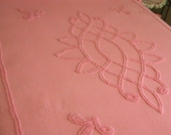 SALE Full Chenille Bedspread Pink Double Chenille CLEAN Vintage