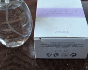 Avon Scent Essence Blooming Lotus EDT