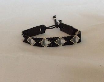 Bracelet with miyuki delica beads.