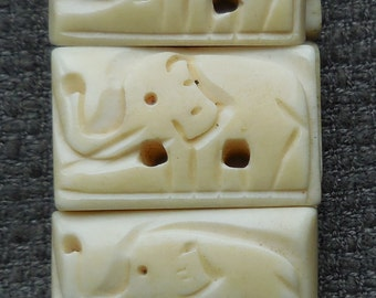 Adorable 1930s Antique Hand Carved BONE Beads With ELEPHANTS on BRACELET...Vintage Elephant Taxidermy Curio Jewellery Making!