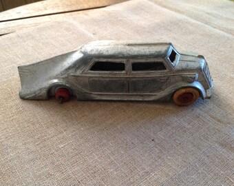 Vintage Die-Cast MANOIL #705 Toy CAR